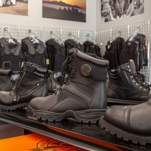 Ankle and toe protection: a must on a bike